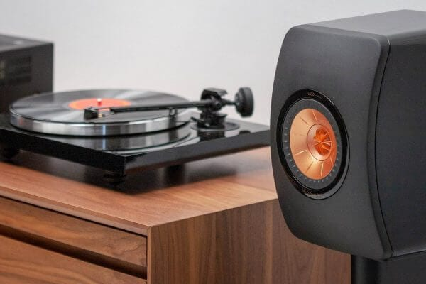 KEF LS50 with Turntable Walnut
